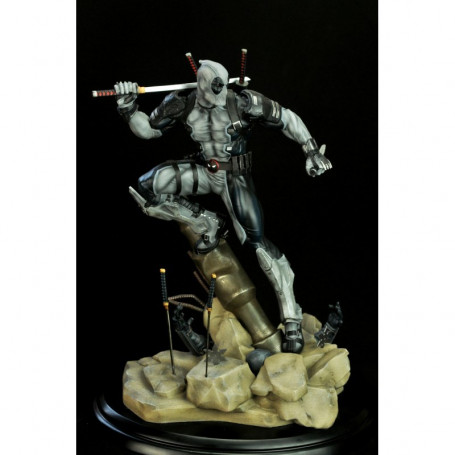 Marvel Deadpool Uncany X-Force 1/6TH COLLECTIBLE STATUE Semic Prototype Z