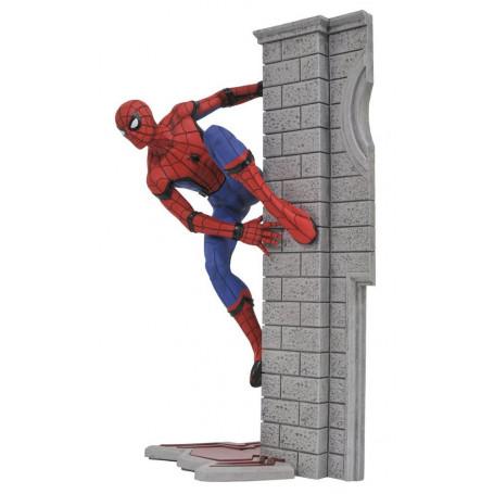 Diamond Select Marvel Gallery Figurine PVC Spiderman Homecoming