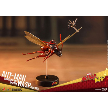 Ant-Man & The Wasp diorama - MMS Compact Series Ant-Man on Flying Ant and the Wasp - 11 cm