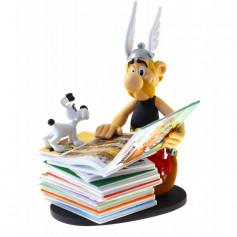 Asterix statuette - Collectoys Collection - Asterix et la pile d'albums - 2nd edition - 15cm