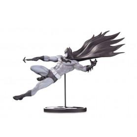 DC Direct Batman Black & White statue by Doug Mahnke - 18 cm