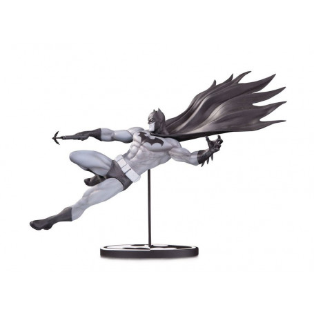DC Direct Batman Black & White statue by Doug Mahnke - 18 cm