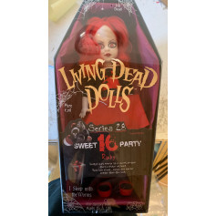 Mezco Living Dead Doll - OCCASION - Ruby - Serie 28