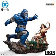 IRON STUDIOS - Wonder Woman Vs Darkseid Diorama by Ivan Reis 1/10 - DC Comics