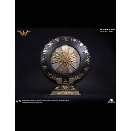 Queen Studios - Bouclier de Wonder Woman Regular Edition Metal 1/1